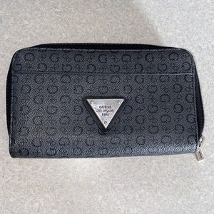 *SOLD* Guess wallet
